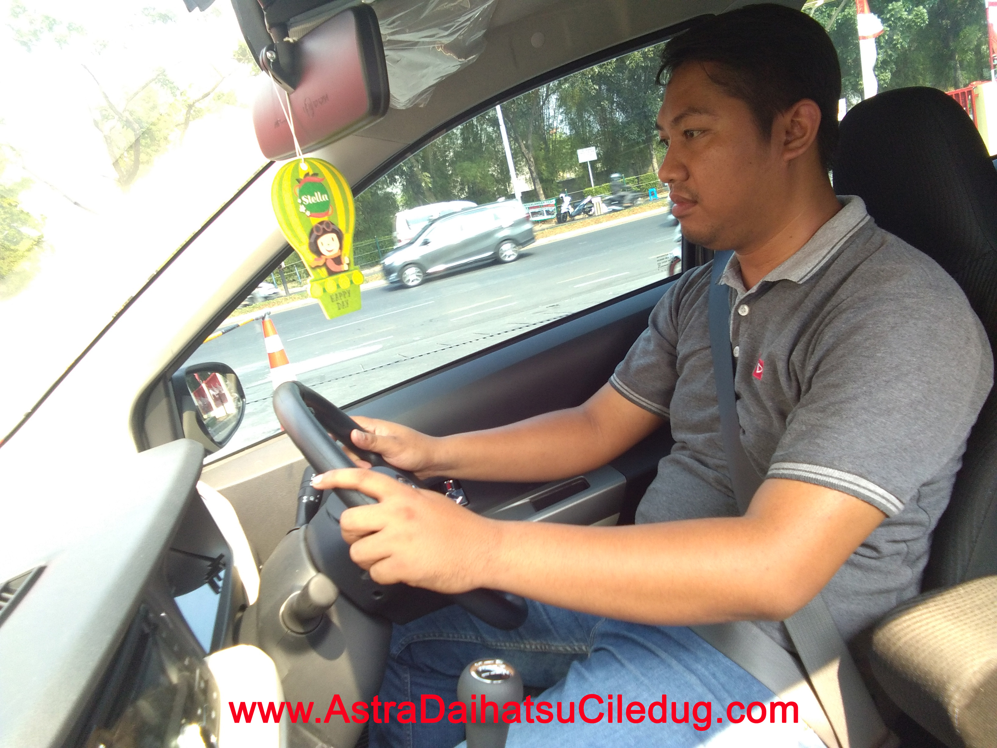 Daihatsu Ciledug 2 TIPS SAFETY DRIVING